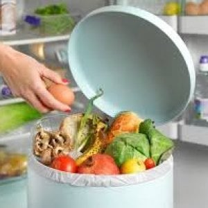 Spreco alimentare, una ricchezza immensa gettata nel cestino della spazzatura