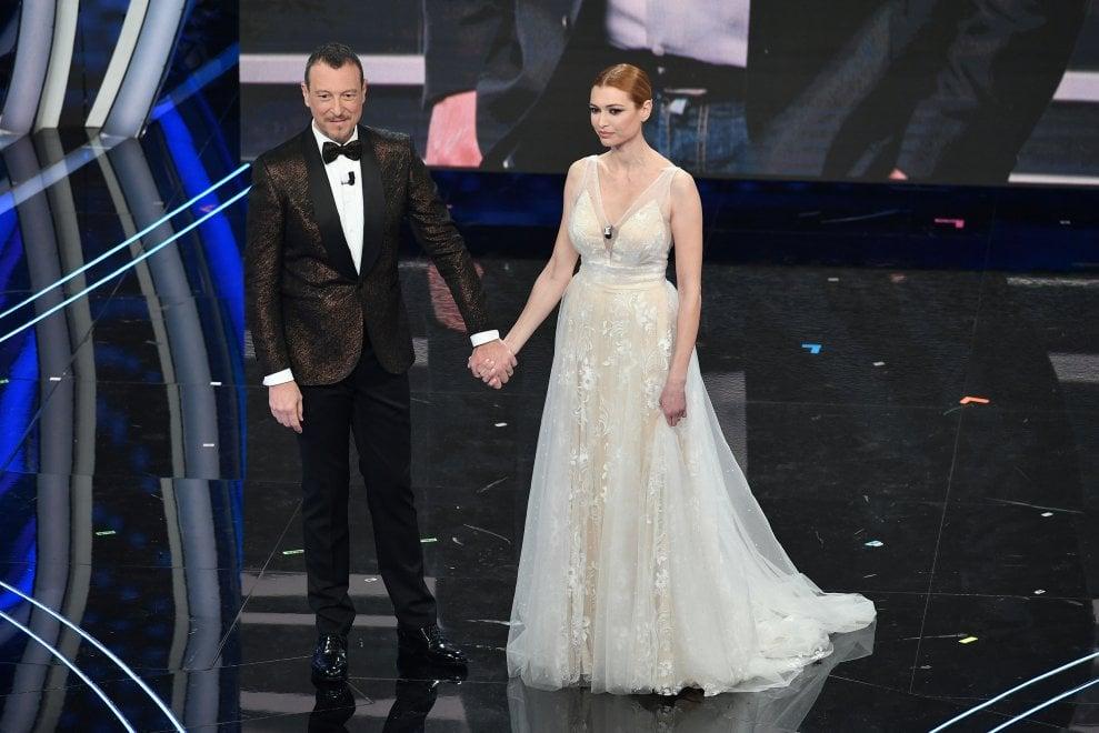 Sanremo 2020, standing ovation e omaggio per Fabrizio Frizzi