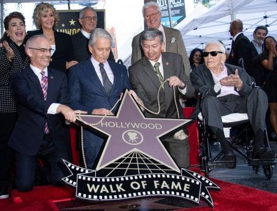 È morto Kirk Douglas, il centenario eroe del cinema. L'annuncio del figlio Michael