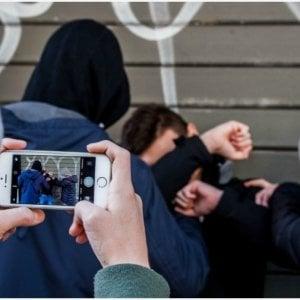 Bullismo, violenza on e offline: quattro ragazzi su dieci ne sono ancora vittime