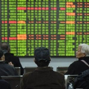 Effetto Coronavirus sui prezzi cinesi, schizza l'inflazione. VW chiude gli stabilimenti cinesi, Borse in calo