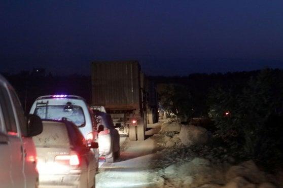 """Siria, 5 soldati turchi uccisi dal regime a Idlib. Ankara: """"Pronti allo scontro"""". Mezzo milione in fuga"""