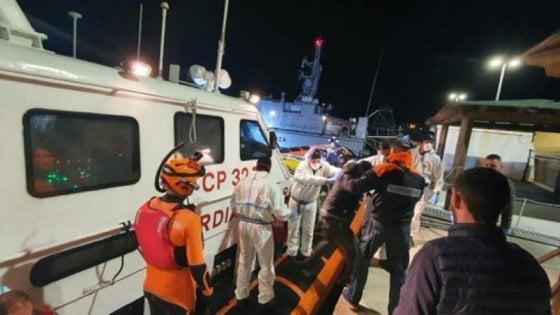 Migranti, picco di soccorsi nella zona Sar libica