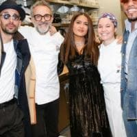 Da Brad Pitt a Gwyneth Paltrow, parata di stelle per Massimo Bottura a Hollywood