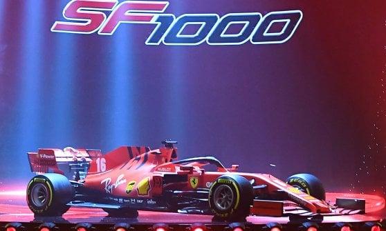 Ecco la SF 1000, la 66esima Ferrari F1. Per la prima volta giù il velo lontano da Maranello