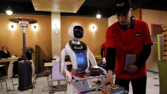 Afghanistan. Sorpresa a Kabul: la cameriera è un robot (con l'hijab)