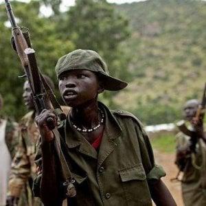 Bambini soldato, la Giornata Internazionale contro l'uso dei bambini armati: poche le risorse per il loro reintegro