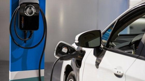 Milleproroghe: stretta sul bonus per le auto green, ora scatta con meno emissioni