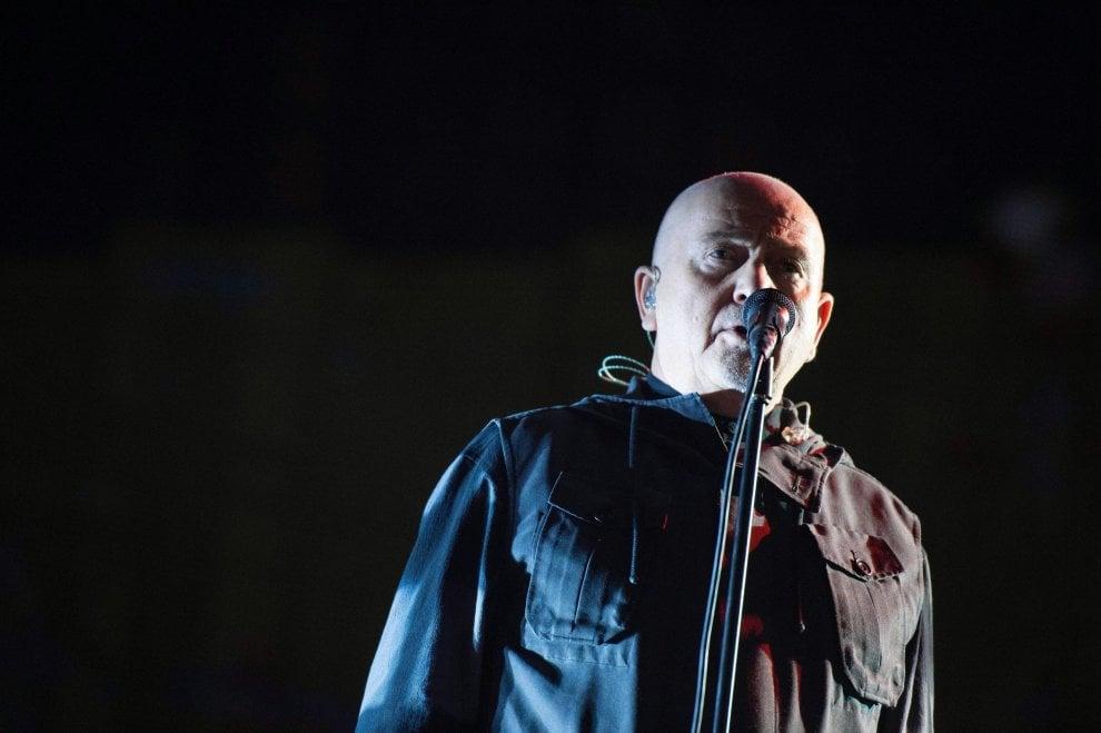 Peter Gabriel, i 70 anni di un trasformista