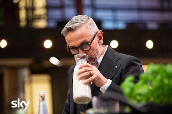 MasterChef 9, tra tipi di latte alternativi, cucina di lago e lezioni di tradizione mediterranea