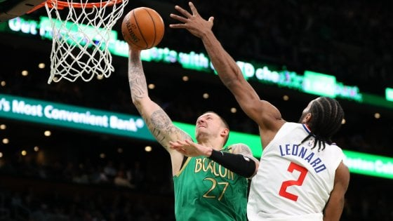 Basket Nba: Boston-Clippers show, a Gallinari il derby con Melli