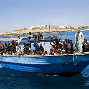 Migranti e droga, dalla Costa d'Avorio alla Tunisia e poi in Italia. Una nuova rotta e una nuova tratta