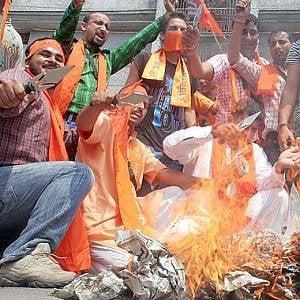 L'India che esalta l'assassino di Gandhi: si diffondono gli effetti dell'induismo nazionalista di Modi