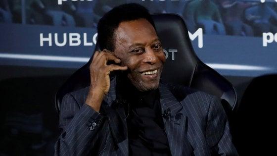 """Pelé rassicura i tifosi: ''Grazie per le preghiere, sto bene"""""""