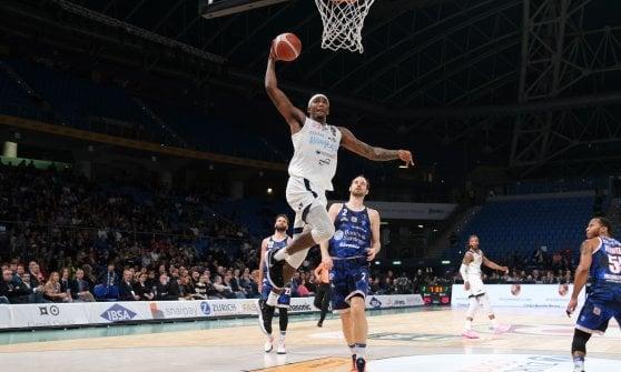 Basket, Coppa Italia: è Brindisi-Fortitudo la seconda semifinale, battute Sassari e Brescia