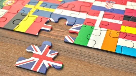 Brexit, la strada del divorzio è tutta in salita: difficile un accordo tra Londra e Bruxelles