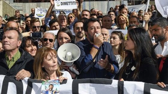 """A Roma derby Lega-Sardine. Salvini: """"Torneremo a vincere. Conte invece di comprare senatori pensi all'economia"""""""
