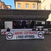 """Sardine, attacco di Buffagni (M5s): """"Un palco degno degli U2. Chi lo paga?"""". La replica:..."""