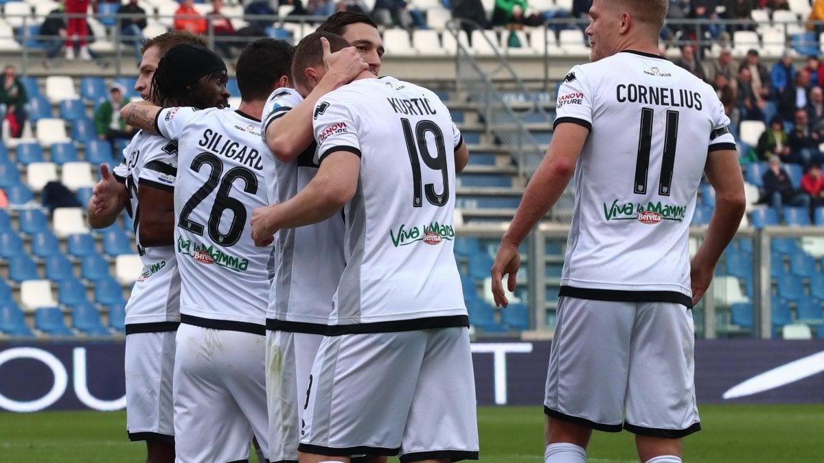 Sassuolo-Parma 0-1, Gervinho torna e decide il derby