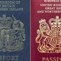 """Brexit, i nuovi passaporti Uk realizzati nella fabbrica polacca: """"Operai sottopagati. È..."""