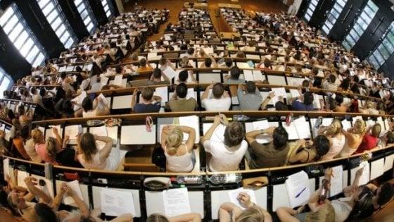 """L'appello di 200 accademici: """"L'università soffoca, disintossichiamola"""""""