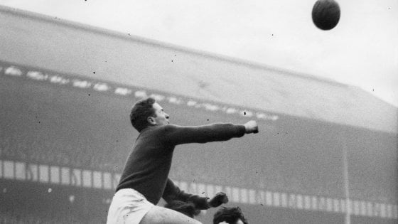 Manchester United, è morto Harry Gregg: l'uomo che salvò la vita a Bobby Charlton