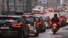 Mercato auto, falsa partenza: immatricolazioni a meno 7,4%