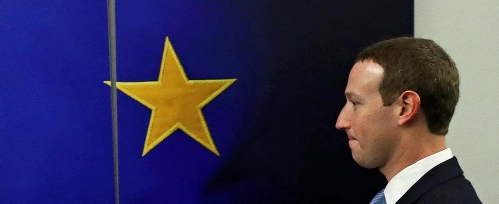 Soros chiede la rimozione di Zuckerberg e Sandberg dalla guida di Facebook