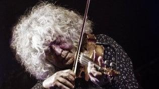 """Angelo Branduardi, il mistico del folk: """"La gente deve uscire felice. A che altro serve la musica?"""""""
