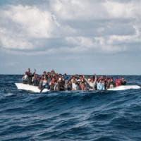 Migranti, quattro salvataggi in 48 ore. Ocean Viking e Sea Watch prendono a bordo 365...