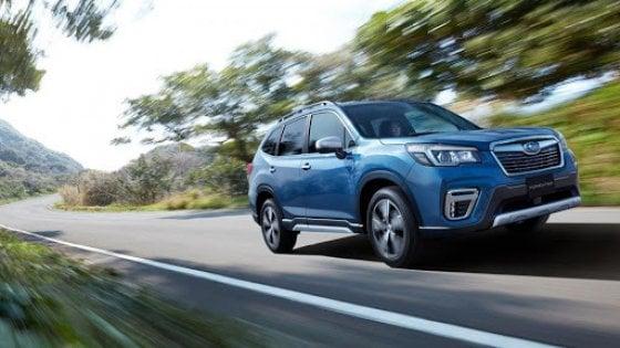 Subaru, voglia di ibrido: debutta la Impreza e-Boxer