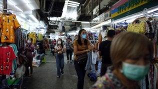 Borse incerte sulle notizie del coronavirus, la Cina corre grazie alla Banca centrale