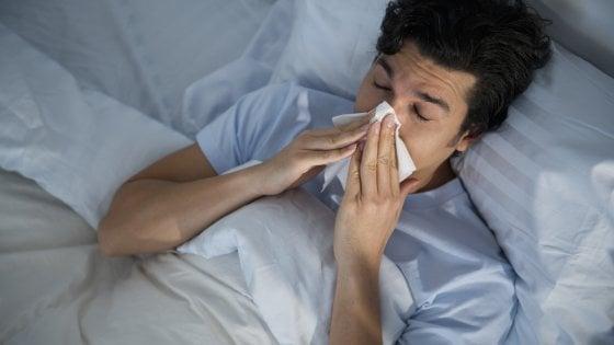 Influenza, i contagi sono in calo ma aumentano i casi gravi