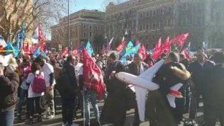 Air Italy, sit-in dei dipendenti davanti al ministero dei Trasporti