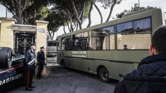 Coronavirus, finita la quarantena: 19 italiani usciti dalla