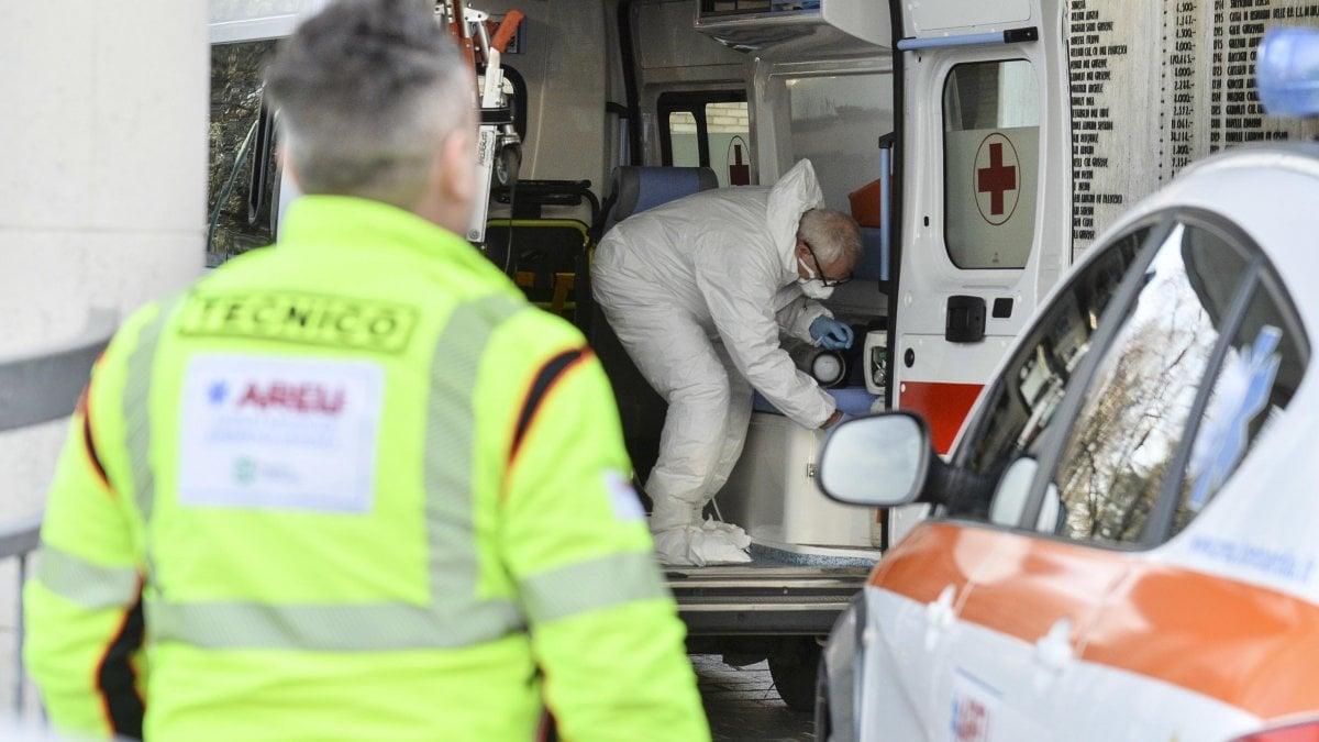 """Coronavirus, quarantena obbligatoria per chi rientra dalla Cina. Conte: """"Niente panico"""""""