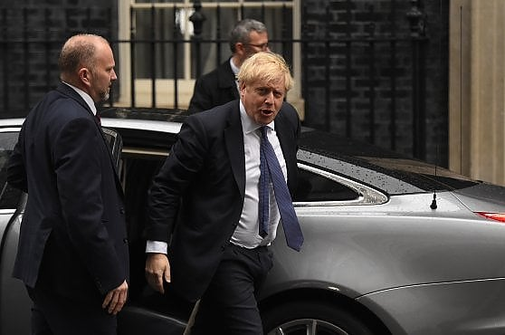 """Brexit, Johnson scrive al veterano: """"Ridaremo il diritto di voto agli inglesi residenti all'estero"""""""