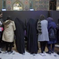 Iran, 58 milioni al voto per le parlamentari nel giorno dell'allarme coronavirus: bassa...