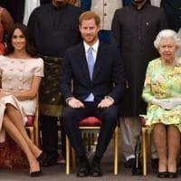 Regno Unito, Harry e Meghan si arrendono alla regina: non potranno più usare il marchio...
