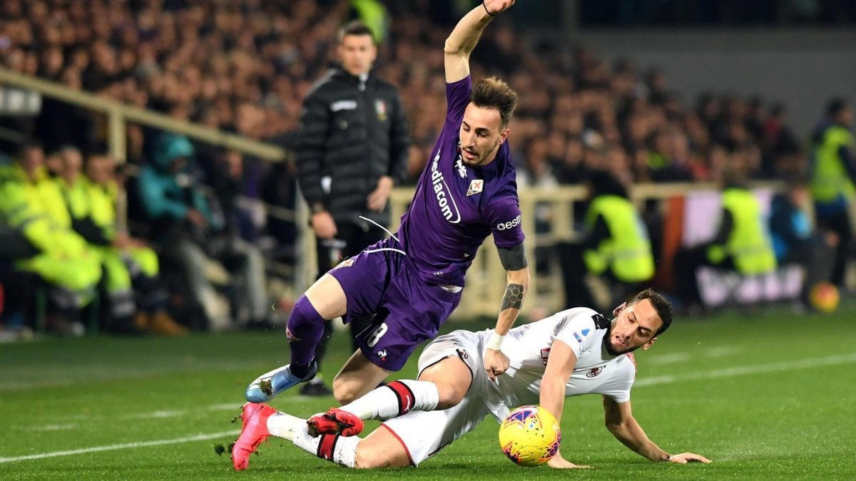 """Fiorentina-Milan, rigore fischiato a Romagnoli, Maldini: """"Il Var va semplificato o chiarito"""""""
