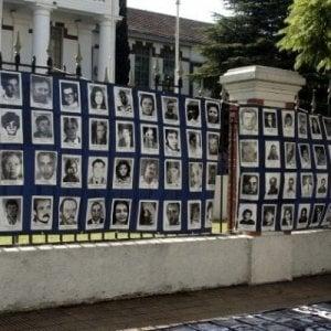 024350296 994f2776 d553 40c5 9c86 745f4eac7948 - Argentina, lo scandalo dei 10mila bambini rubati scoperto grazie alle nonne di Plaza de Mayo