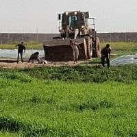Israele uccide miliziano e rimuove il corpo con un bulldozer