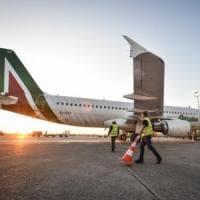 Coronavirus, passeggeri Alitalia bloccati a Mauritius: chi proviene da zone infette non...