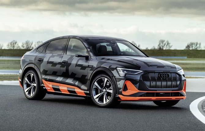 Nuove Audi e-tron con tre motori elettrici