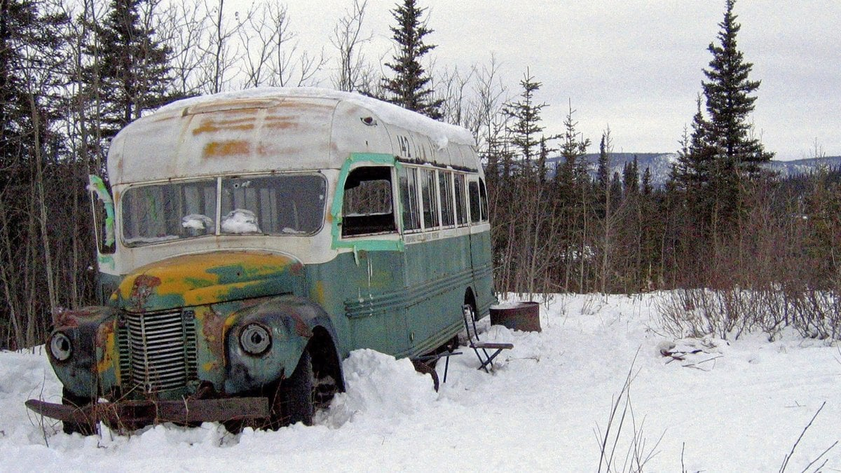 """Alaska, soccorsi tra i ghiacci cinque italiani alla ricerca del vecchio bus di """"Into the wild"""""""
