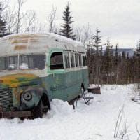 """Alaska, soccorsi tra i ghiacci cinque italiani alla ricerca del vecchio bus di """"Into the..."""