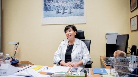 Coronavirus, la virologa Gismondo e le notti in laboratorio:
