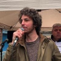 """Le Sardine da """"Amici"""", rivolta interna.  E Santori si difende in un video: """"Fidatevi di..."""