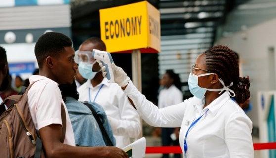 Coronavirus, In Iran almeno 210 morti. Gli Usa sconsigliano i viaggi non necessari verso l'Italia
