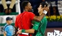 Dubai: Djokovic si salva con Monfils, finale contro Tsitsipas